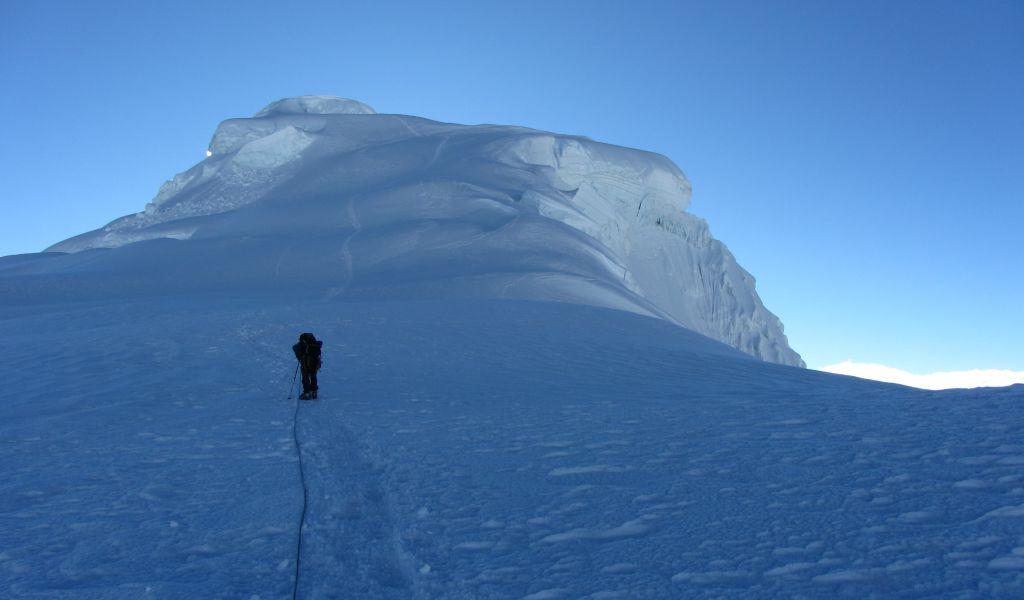 Ascenso a la cumbre por la arista suroeste