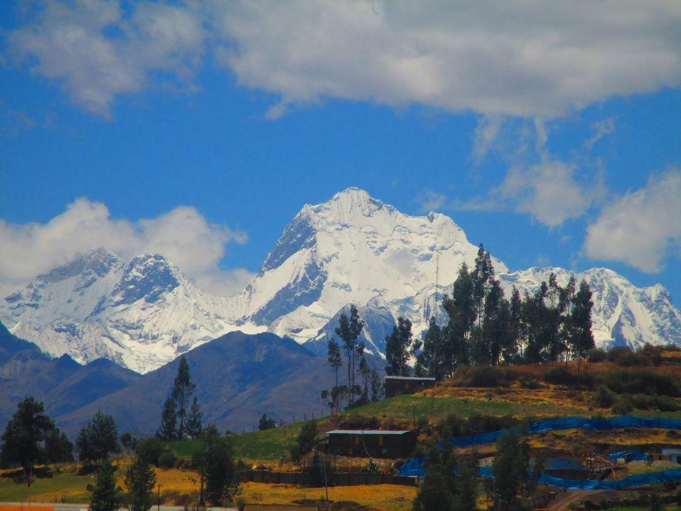 Vista de la Cordillera Huayhuash desde Chiquian