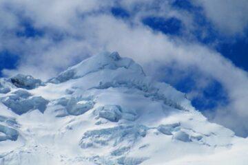 Escalada nevado yanapaccha