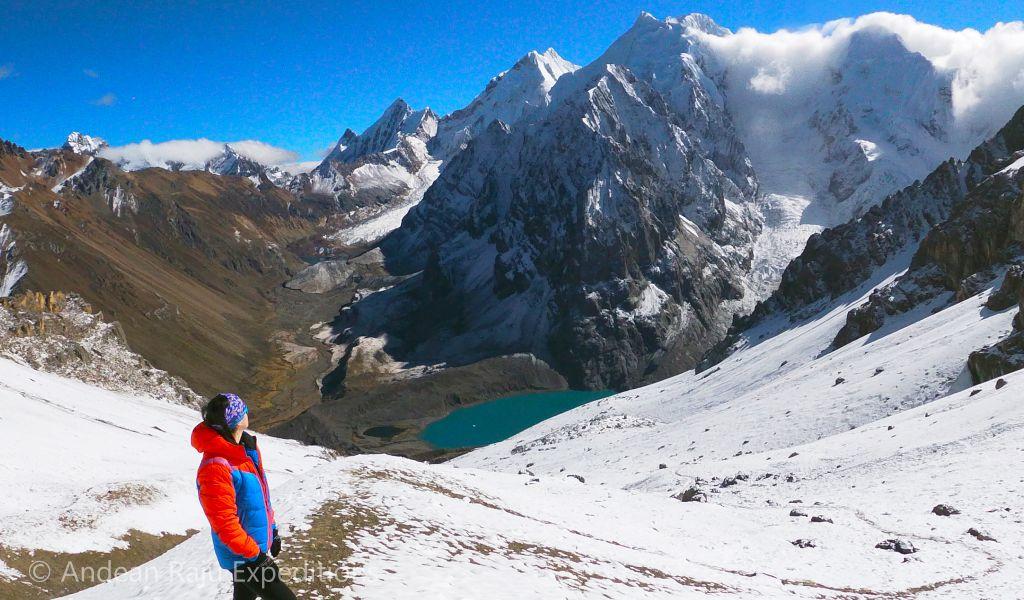 Paso Santa Rosa, uno de los pasos de altura más hermosos del Huayhuash Trek