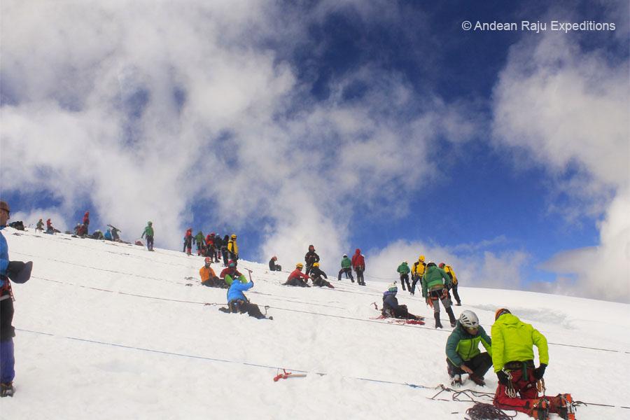 Curso de seguridad y rescate en montaña de la Casa de Guías del Perú