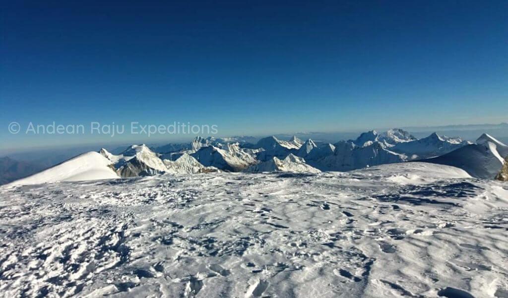 Montañas de la Cordillera Blanca, desde la cumbre del Nevado Huascarán